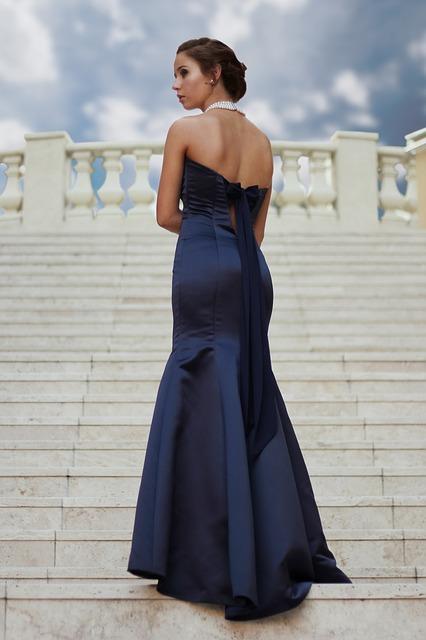 Idealne Buty I Dodatki Do Granatowej Sukienki Butyraj Pl